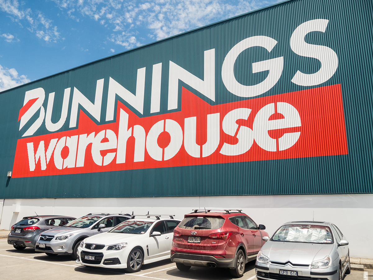 Bunnings blockaded by Vic timber workers